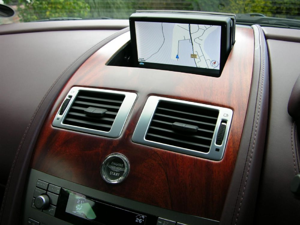 latest 2016 sat nav update dvd disc for aston martin. Black Bedroom Furniture Sets. Home Design Ideas